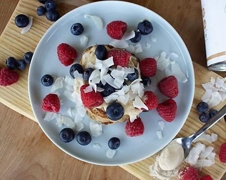 Vegane-Pancakes-mit-Baobab-und-Erdnussmus
