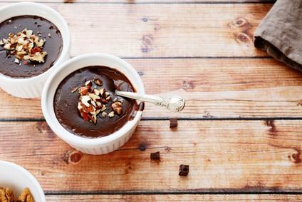 Veganes-Mousse-au-Chocolat-olhaafanasieva