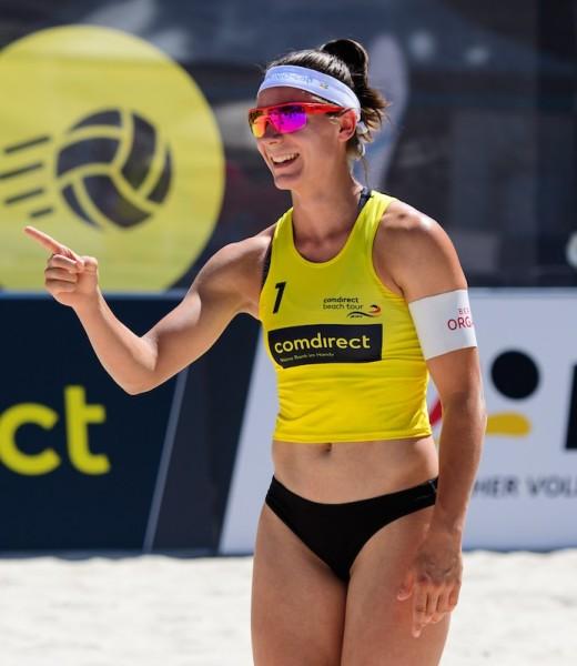 Anna-Gruene-Ganzkoerper